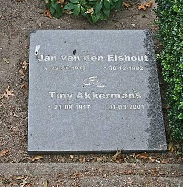 2001-03-11 Christina Akkermans-1992-12-30 Johannes Paulus van den Elshout_Breda_OLB-00167468_zerken